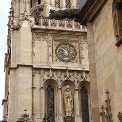 Balade autour de Saint-Germain l'Auxerrois : de la St Barthélémy aux grands magasins de la Samaritaine